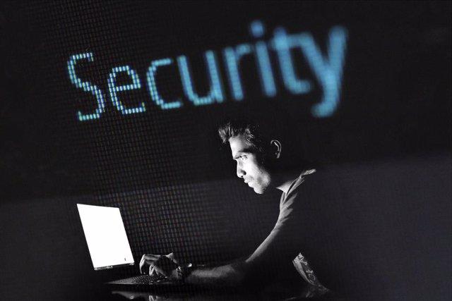 Las estafas de 'phishing' y el 'spam' aumentaron un 6.000% desde marzo, según IB