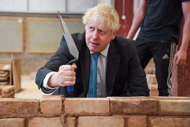 """R. Unido.- Johnson anuncia una reforma """"radical"""" de la formación profesional en"""