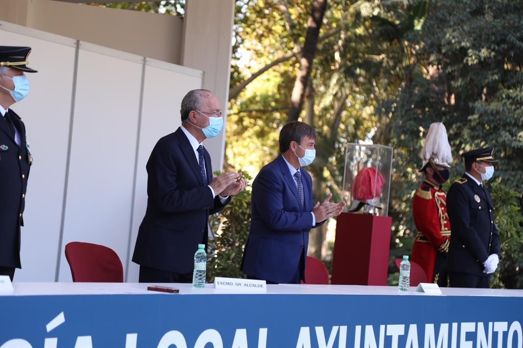 El alcalde de Málaga preside los actos de celebración del Día del Patrón de la Policía Local 2