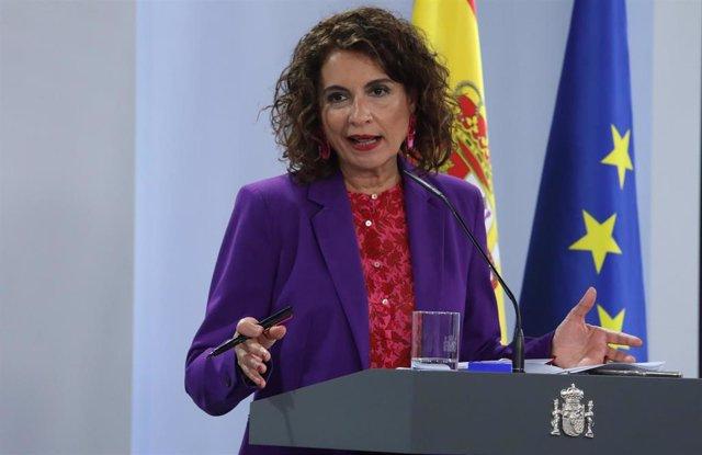 La ministra portavoz y de Hacienda, María Jesús Montero, comparece en rueda de prensa posterior al Consejo de Ministro celebrado en Moncloa, en Madrid (España), a 29 de septiembre de 2020.