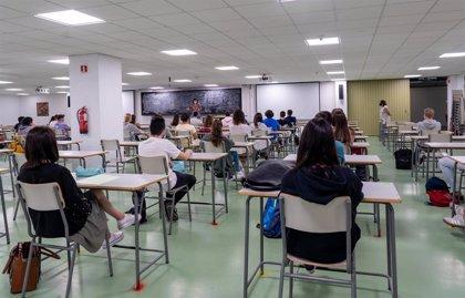 El Gobierno autoriza la suscripción de convenios para el programa Educa en Digital en once CCAA, Ceuta y Melilla