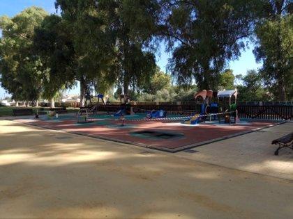 Écija (Sevilla) cierra sus zonas de juegos infantiles y saludables ante el incremento de casos positivos