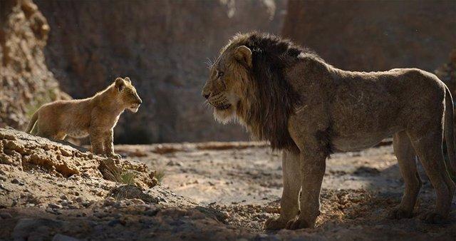 Simba y Mufasa en El Rey León