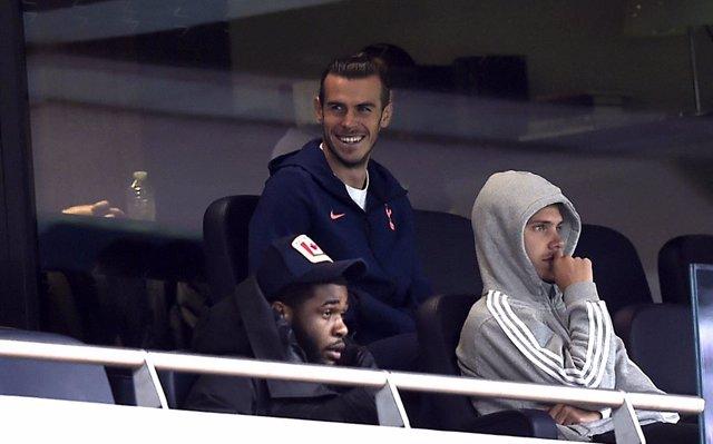 """Fútbol.- Mourinho: """"No he hablado con Zidane, pero imagino que está feliz por la"""