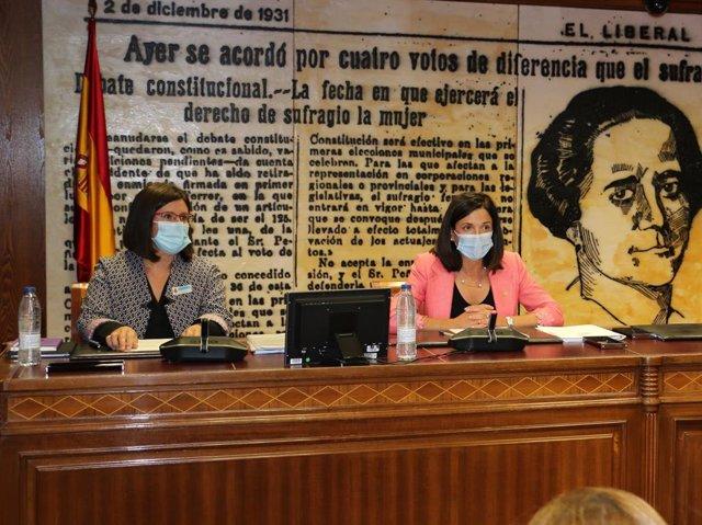 Beatriz Artolazabal e Izaskun Landaida en el Senado