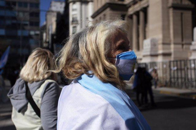 Argentina es el noveno país con mayor número de casos acumulados, con más de 730.000, además de unos 16.500 fallecidos.