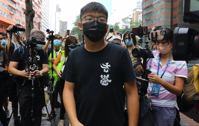 China.- El activista de Hong Kong Joshua Wong comparece ante la Justicia por un