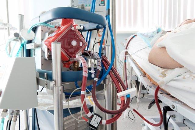 Soporte vital conocida como ECMO (oxigenación por membrana extracorpórea, por sus siglas en inglés),