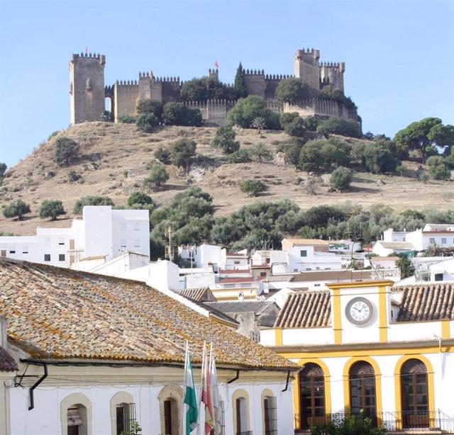 Almodóvar del Río (Córdoba) y su castillo, en una imagen de archivo