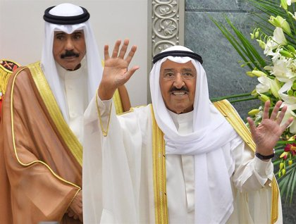 El jeque Nauad presta juramento como nuevo emir de Kuwait