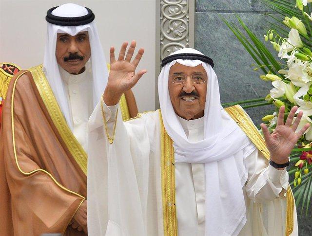 Kuwait.- El jeque Nauad presta juramento como nuevo emir de Kuwait