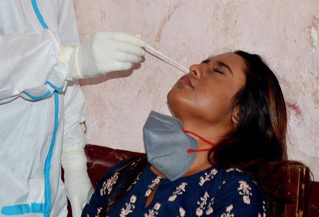 Coronavirus.- India registra más de 80.000 nuevos casos de coronavirus y supera