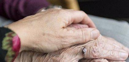 UGT contabiliza al menos 608 muertes por Covid de usuarios de residencias en Andalucía