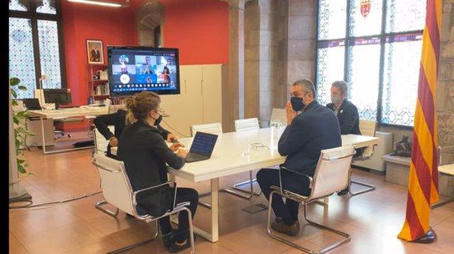 Pla general de la reunió entre el conseller d'Acció Exterior, Bernat Solé, i els delegats de la Generalitat a l'estranger, a la seu de la conselleria. Imatge del 29 de setembre del 2020. (Horitzontal)