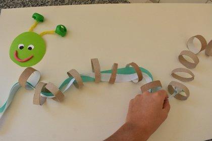 Practico mi motricidad fina con una oruga: manualidades educativas para niños