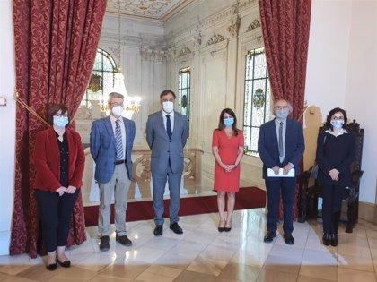 El pamplonés Crisanto Pérez y el zamorano Luis Ramos ganan los Premios de Novela y Poesía Ciudad de Salamanca