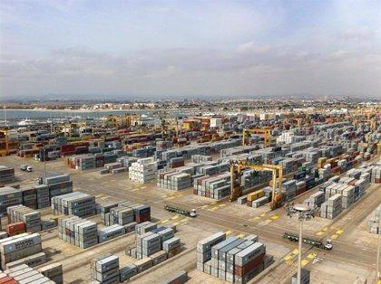 Cuatro de cada diez contenedores de importación y exportación de España pasan por la Comunitat Valenciana