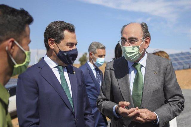El presidente de Iberdrola, Ignacio Galán, junto al presidente de la Junta, Juanma Moreno.