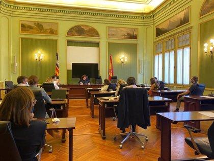 Font y Palomino explicarán en el Parlament los planes de sus departamentos ante una expansión de la pandemia