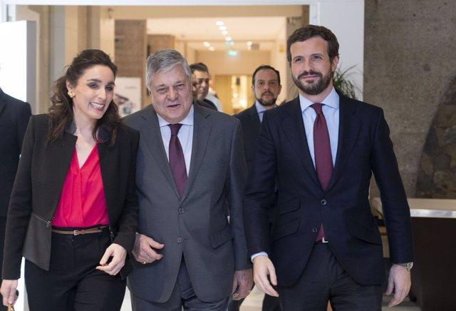 Casado se verá el viernes en el Congreso con la oposición venezolana, a la que e