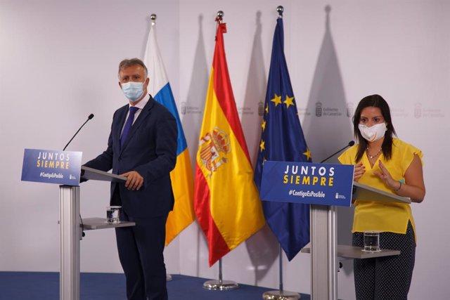 El presidente de Canarias, Ángel Víctor Torres, y la consejera regional de Turismo, Yaiza Castilla