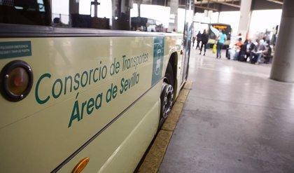 Recogida de firmas en Guillena (Sevilla) en demanda de la plena restitución de la oferta de buses metropolitanos