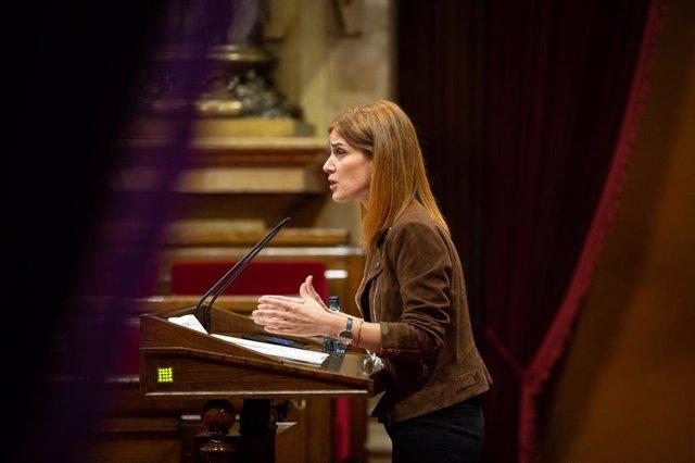 La líder dels comuns en el Parlament, Jéssica Albiach, intervé donin el ple monosgráfico del Parlament sobre la inhabilitació de l'expresident de la Generalitat Quim Torra, a Barcelona, Catalunya (Espanya), a 30 de setembre de 2020.