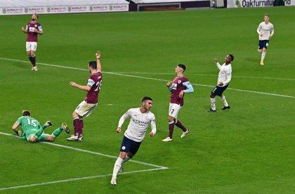 City y United avanzan a cuartos de final en la Carabao Cup