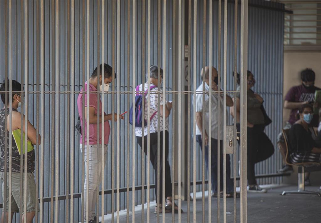 Comienza en los centros de salud Málaga-Guadalhorce la atención a casos con síntomas o sospechas mediante móviles 3