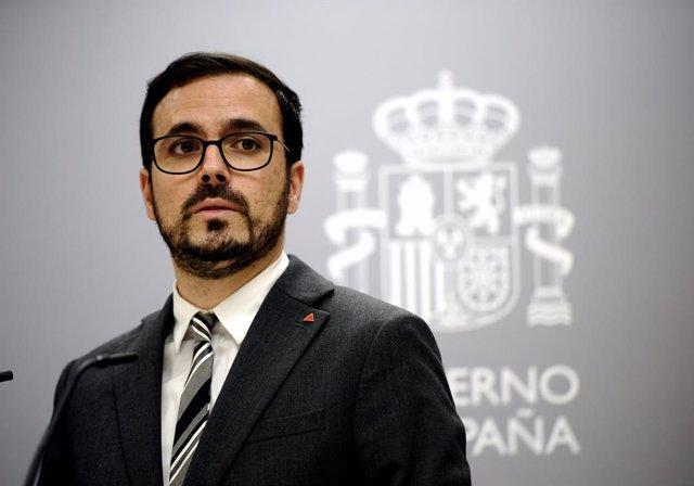 """Garzón se reafirma en sus críticas a Felipe VI: """"Cuando uno se sale del carril,"""