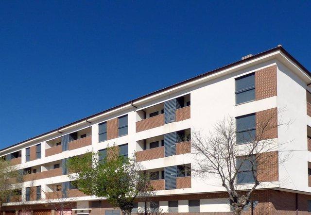 Fachada de un edificio en alquiler en Ocaña