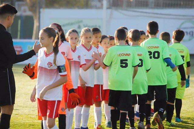 La Copa Covap defiende la utilidad de los deportes de equipo para reducir trastornos alimentarios en la adolescencia