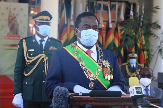 Zimbabue.- El presidente de Zimbabue pone en tela de juicio la necesidad de obse