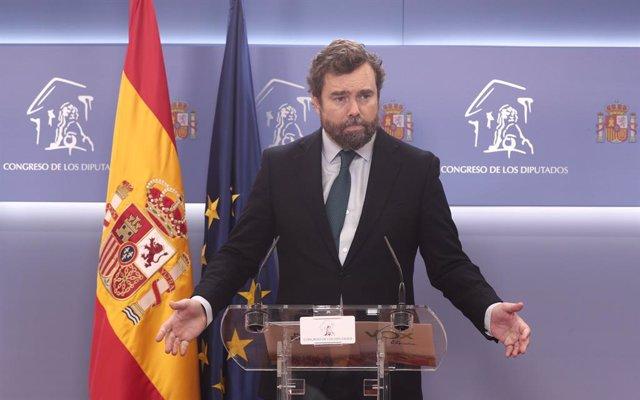 """Vox afirma que no va a situar la figura del Rey en la """"refriega política"""" y ve c"""