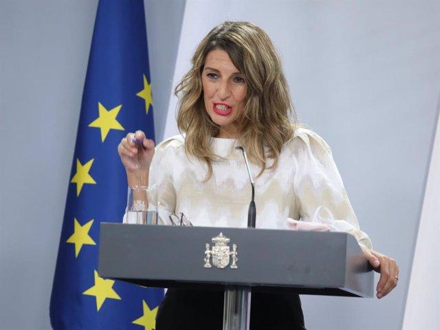 """Díaz defiende a Garzón e Iglesias en sus críticas al Rey: """"En democracia se pued"""