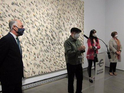 El Museo Goya acoge la primera exposición del pintor Juan Genovés tras su fallecimiento en mayo