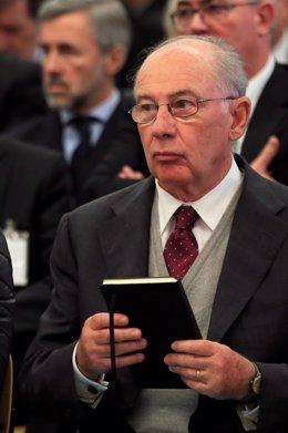 El expresidente de Bankia Rodrigo Rato durante la primera sesión del juicio por la salida a Bolsa de la entidad en 2011 que se celebra en la Audiencia Nacional de San Fernando de Henares (Madrid)