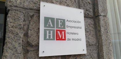 """Hoteleros madrileños se reconocen """"desconcertados"""" y ven """"precipitado"""" y """"muy drástico"""" el cierre de Madrid"""