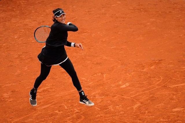 Tenis/Roland Garros.- Muguruza supera a Pliskova sin problemas y se mete en terc