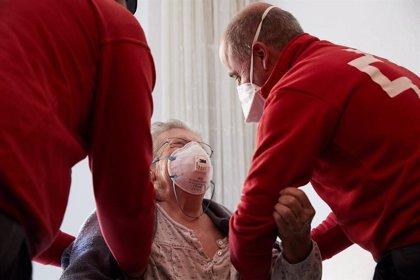Cruz Roja atiende en la Región a 4.140 personas mayores, de las que 3.146 son mujeres