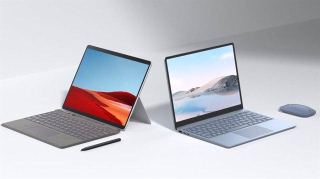Surface Laptop Go (derecha) y Surface Pro X (izquierda).