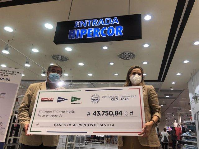 El Corte Inglés entrega 43.750 euros al Banco de Alimentos de Sevilla.