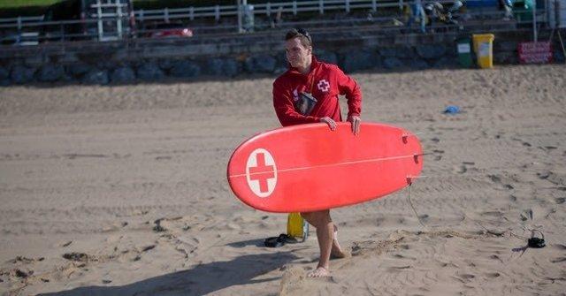 Socorrista de Cruz Roja Bizkaia