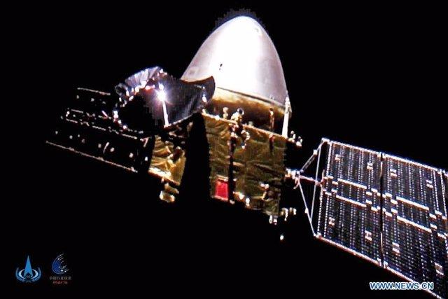 La misión china a Marte envía 'selfies' desde el espacio profundo