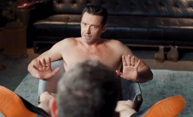 Hugh Jackman se desnuda para un anuncio y Ryan Reynolds vuelve a burlarse de él
