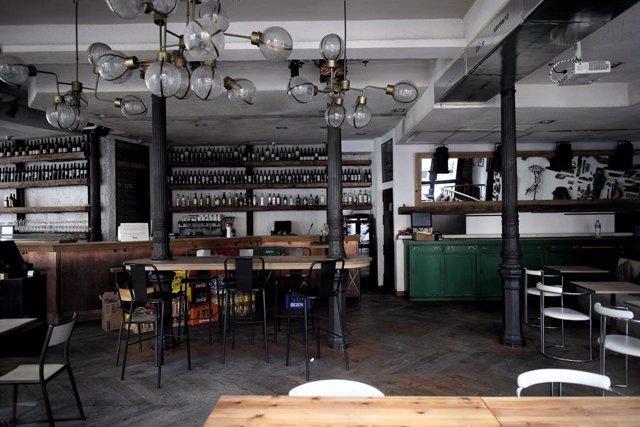 Interior de un bar, en Madrid (España)