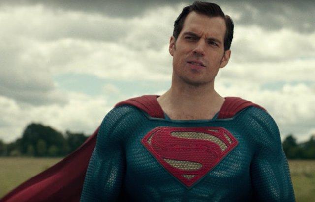 """Henry Cavill: La Liga de la Justicia de Zack Snyder debía ver la luz """"estés de acuerdo o no"""""""