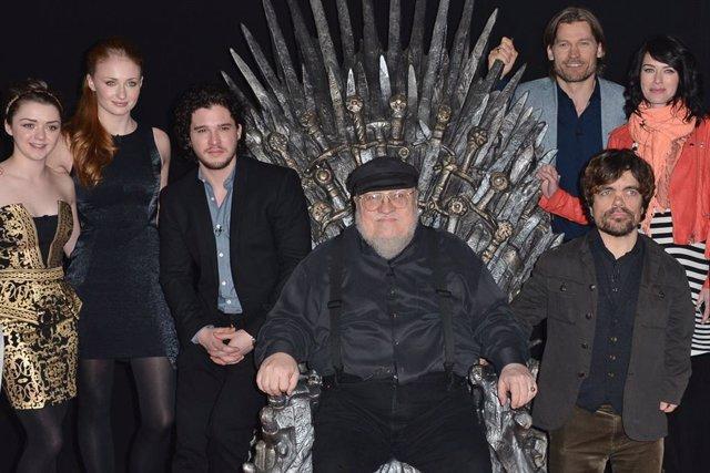 George R.R. Martin no participará en la redacción de los guiones de la próxima temporada de 'Juego de tronos'.