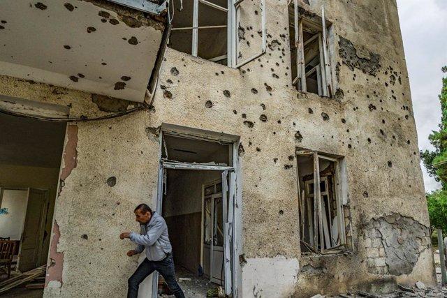 AMPL3.- Armenia/Azerbaiyán.- Nagorno-Karabaj denuncia al menos 51 muertos en un