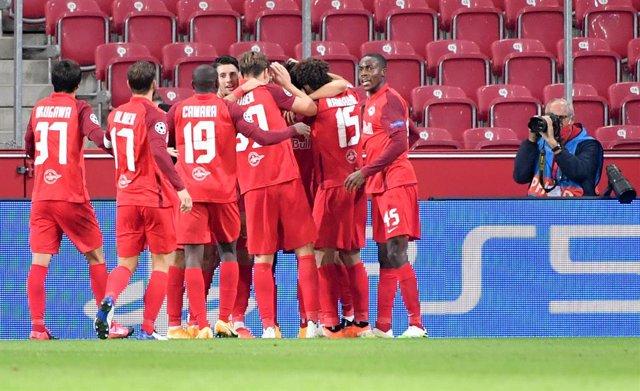 Fútbol.- Tres jugadores del Salzburgo dan positivo por coronavirus